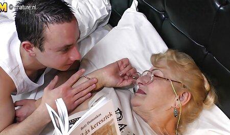 Hermosa madura mamá viejos españoles follando chupa y folla negro chico