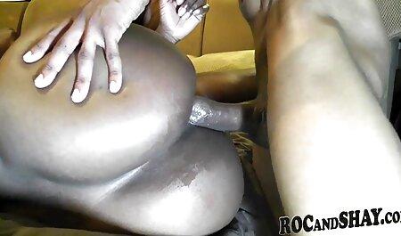 Mamá caliente porno en español en publico